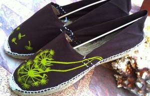 zapatillas en tonos oscuros